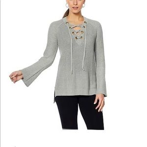NWT Daisy Fuentes Gray Light Weight Top